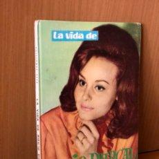 Libros de segunda mano: LA VIDA DE ROCÍO DÚRCAL CONTADA POR ELLA MISMA Y CUATRO CAPÍTULOS. Lote 117126791