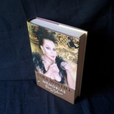 Libros de segunda mano: SARA MONTIEL - MEMORIAS, VIVIR ES UN PLACER - FIRMADO POR SARA -PRIMERA EDICIÓN 2000. Lote 127428859
