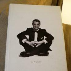 Libros de segunda mano: MARC ELLIOT - CARY GRANT LA BIOGRAFÍA - LUMEN 2007. Lote 131062769