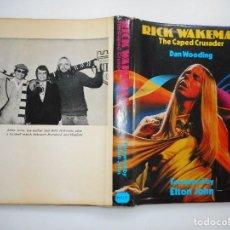 Libros de segunda mano: DAN WOODING RICK WAKEMAN. THE CAPED CRUSADER(INGLÉS) Y95015. Lote 170178248