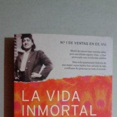 Libros de segunda mano: LA VIDA INMORTAL DE HENRIETTA LACKS. REBECCA SKLOOT. TEMAS DE HOY, 2010. TAPA BLANDA. 446 PÁG. Lote 187462110