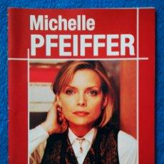 Libros de segunda mano: MICHELLE PFEIFFER - LIBRETO. Lote 195477398