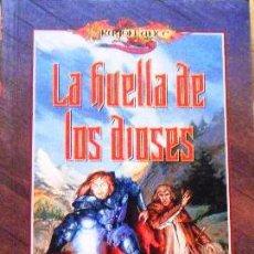 Libros de segunda mano: LA HUELLA DE LOS DIOSES. M. WEIS & T. HICKMAN. DRAGONLANCE CUENTOS QUINTA ERA (1/3), TIMUN MAS. Lote 43596408