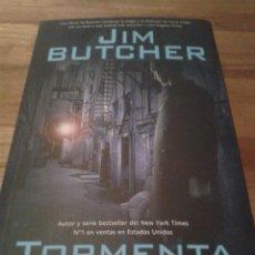 Libros de segunda mano: LIBRO TORMENTA SAGA DE DRESDEN I - JIM BUTCHER - FACTORÍA DE IDEAS 2006. Lote 43676297