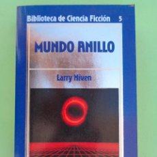 Libros de segunda mano: MUNDO ANILLO. AUTOR, LARRY NIVEN. EDICIONES ORBIS AÑO 1985. BIBLIOTECA DE CIENCIA FICCIÓN Nº 5.. Lote 57377842