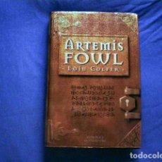 Libros de segunda mano: LIBRO ARTEMIS FOWL LIBRO 1 2001 EOIN COLFER ED MONTENA TAPA DURA. Lote 71663371