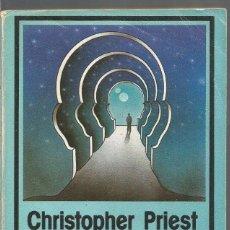 Libros de segunda mano: CHRISTOPHER PRIEST. INDOCTRINARIO. EDHASA NEBULAE. Lote 91405780