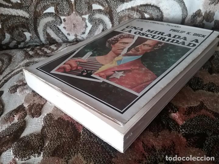 Libros de segunda mano: Una mirada a la oscuridad, de Philip K. Dick. Acervo Ciencia ficción, 1980. - Foto 4 - 94227270