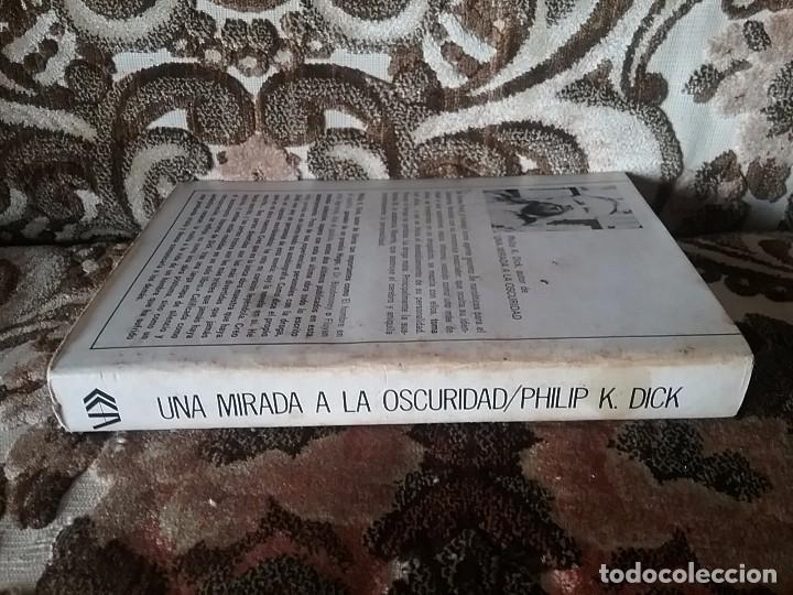 Libros de segunda mano: Una mirada a la oscuridad, de Philip K. Dick. Acervo Ciencia ficción, 1980. - Foto 6 - 94227270