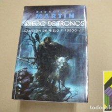 Libros de segunda mano: MARTIN, GEORGE R.R.: JUEGO DE TRONOS. CANCIÓN DE HIELO Y FUEGO 1 (TRAD: CRISTINA MACÍA). Lote 100589355