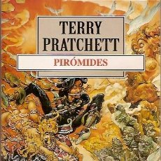 Libros de segunda mano: PIROMIDES TERRY PRATCHETT DEBOLSILLO. Lote 104015755