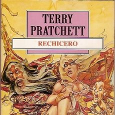 Libros de segunda mano: RECHICERO TERRY PRATCHETT DEBOLSILLO. Lote 104015795