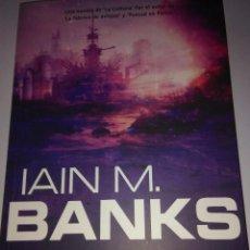 Libros de segunda mano: EL USO DE LAS ARMAS. IAIN M. BANKS ( LA FACTORIA ). Lote 106575875