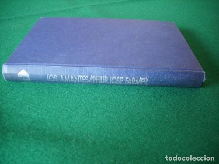 Libros de segunda mano: LOS AMANTES - PHILIP JOSE FARMER - EDICIONES ACERVO AÑO 1975 - Foto 2 - 108831663