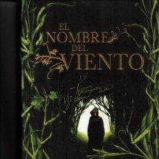 Libros de segunda mano: EL NOMBRE DEL VIENTO - PATRICK ROTHFUSS.. Lote 117475483