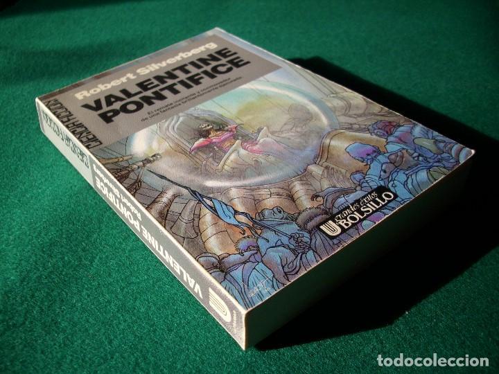 Libros de segunda mano: VALENTINE PONTIFICE - MAJIPUR 4 - ROBERT SILVERBERG - ULTRAMAR - 1ª EDICIÓN AÑO 1988 - Foto 2 - 117938707