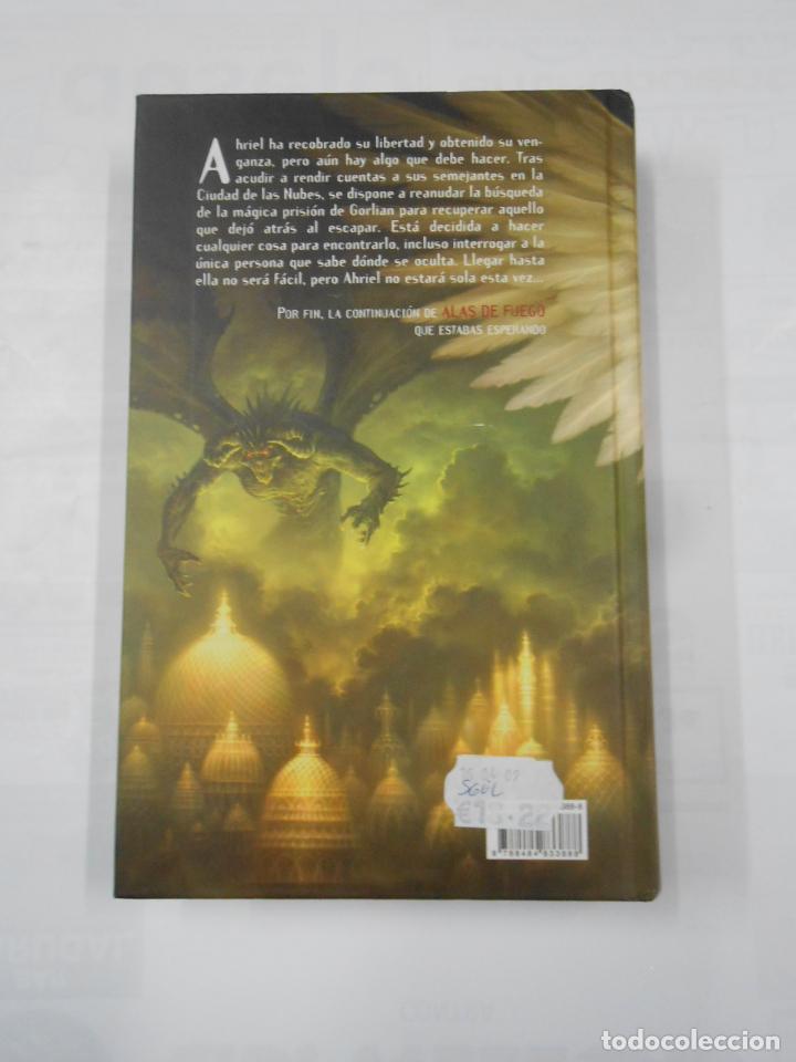 Libros de segunda mano: ALAS NEGRAS. LAURA GALLEGO. EDITORIAL LABERINTO. TDK343 - Foto 2 - 160045754