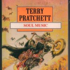 Libros de segunda mano: TERRY PRATCHETT. SOUL MUSIC DEBOLSILLO. Lote 121177879