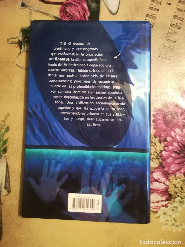 Libros de segunda mano: Abducción - Robin Cook - Foto 2 - 126368555