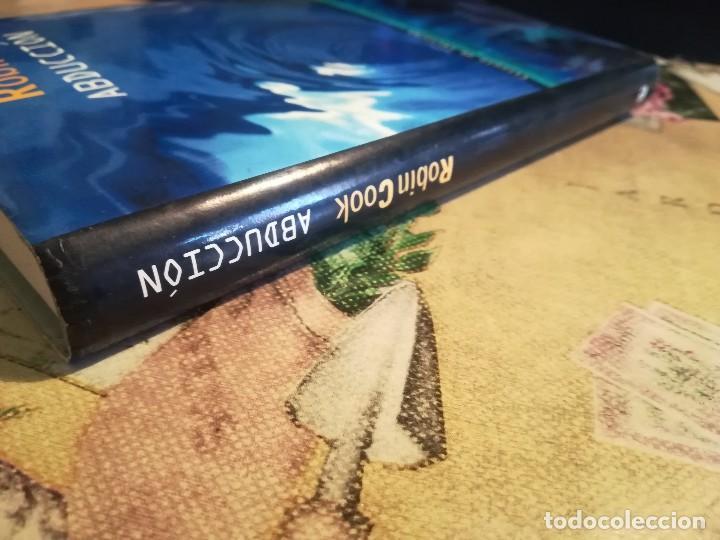 Libros de segunda mano: Abducción - Robin Cook - Foto 6 - 126368555