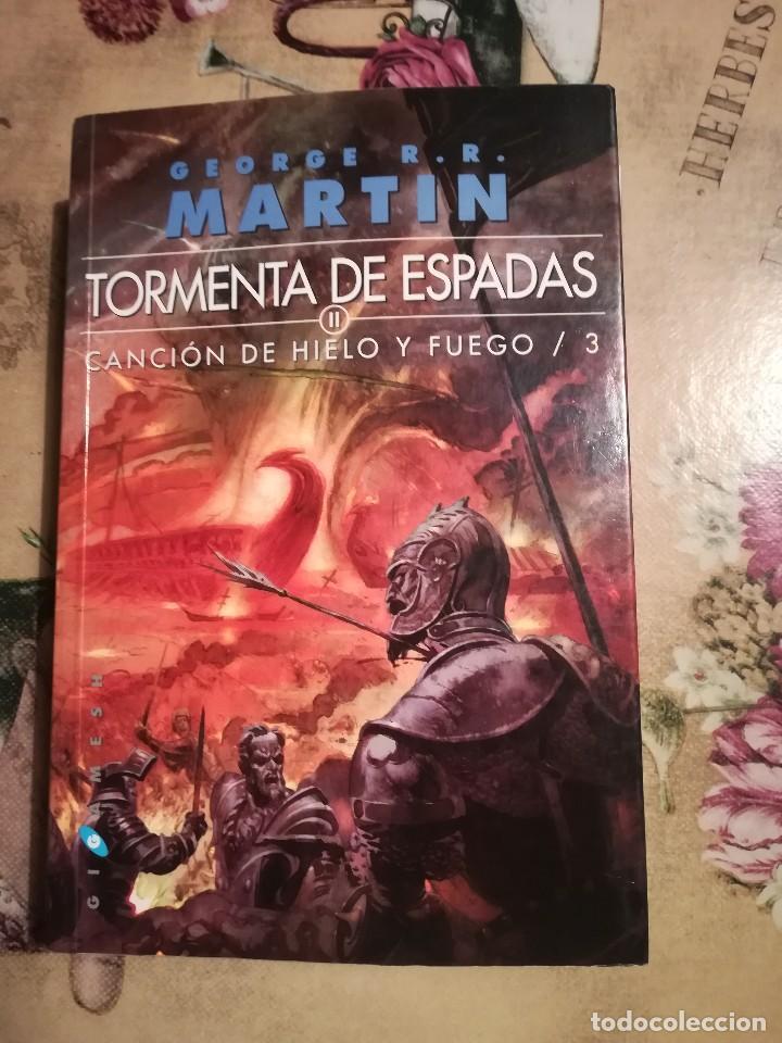 TORMENTA DE ESPADAS II. CANCIÓN DE HIELO Y FUEGO 3 - GEORGE R.R. MARTIN (Libros de Segunda Mano (posteriores a 1936) - Literatura - Narrativa - Ciencia Ficción y Fantasía)
