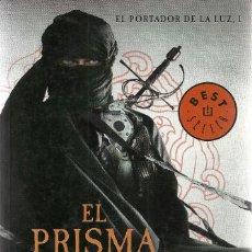 Libros de segunda mano: BRENT WEEKS-EL PORTADOR DE LUZ I. EL PRISMA NEGRO.DE BOLSILLO.2013.. Lote 132207542