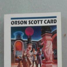 Libros de segunda mano: LA LLAMADA DE LA TIERRA DE ORSON SCOTT CARD. Lote 134125457
