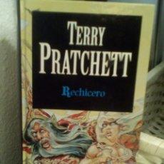 Libros de segunda mano: RECHICERO. TERRY PRATCHETT. Lote 143760306