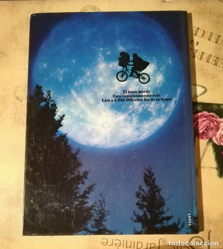 Libros de segunda mano: E.T. El Extraterrestre. El libro de la película. Con fotografías del film de Steven Spielberg - 1983 - Foto 2 - 147083682