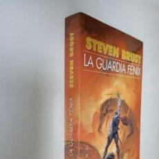 Libros de segunda mano: LA GUARDIA FÉNIX, STEVEN BRUST, EDICIONES GIGAMESH. 533 GRAMOS.. Lote 152585534