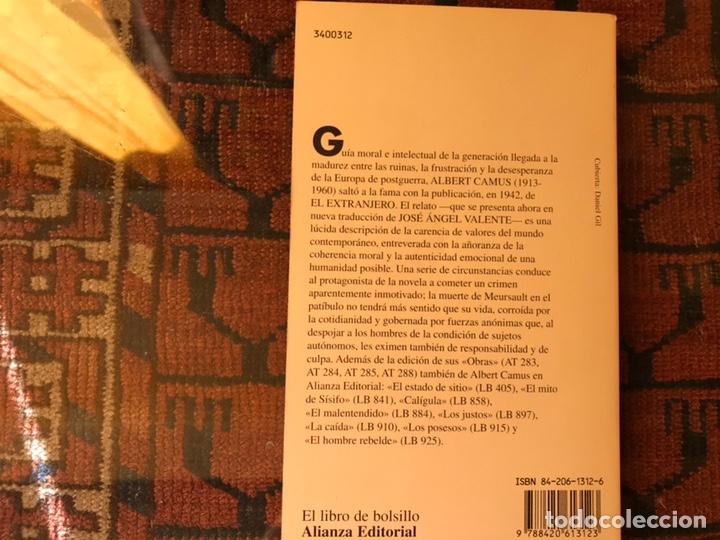 Libros de segunda mano: El extranjero. Albert Camus. Como nuevo - Foto 2 - 153234202