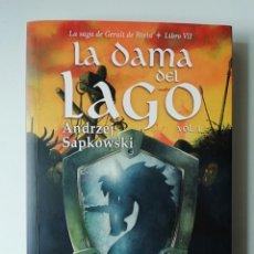 Libros de segunda mano: LA DAMA DEL LAGO (VOL.1) LA SAGA DE GERALT DE RIVIA LIBRO VII - ANDRZEJ SAPKOWSKI - ED BIBLIOPOLIS 2. Lote 156555362