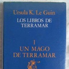 Libros de segunda mano: URSULA K. LE GUIN: LOS LIBROS DE TERRAMAR I. UN MAGO DE TERRAMAR. Lote 164835058