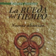 Libros de segunda mano: LA RUEDA DEL TIEMPO. Lote 166751873