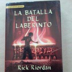 Libros de segunda mano: LA BATALLA DEL LABERINTO,RICK RIORDAN. Lote 166833078