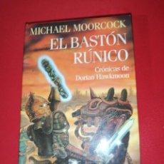 Libros de segunda mano: MICHAEL MOORCOCK, EL BASTON RUNICO. Lote 171275463