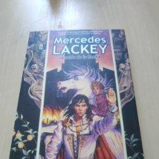 Libros de segunda mano: LA CAÍDA DE LA FLECHA - MERCEDES LACKEY. FACTORIA DE IDEAS. Lote 172456779