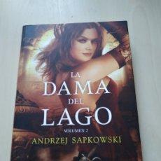 Libros de segunda mano: LA DAMA DEL LAGO VOL 2. - ANDRZEJ SAPKOWSKI. GERALT DE RIVIA. ALAMUT. Lote 172686232