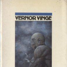 Libros de segunda mano: NAUFRAGIO EN EL TIEMPO REAL - VERNOR VINGE; NOVA CIENCIA FICCION, Nº 11. Lote 178337731