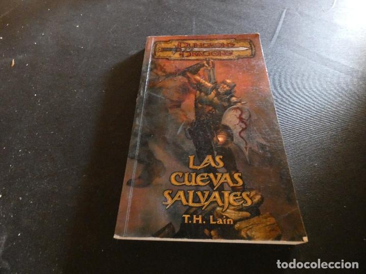 DUNGEONS AND DRAGONS LAS CUEVAS SALVAJES 2003 (Libros de Segunda Mano (posteriores a 1936) - Literatura - Narrativa - Ciencia Ficción y Fantasía)
