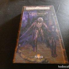 Libros de segunda mano: REINOS OLVIDADOS EL ELFO OSCURO VOLUMEN I LA MORADA GRUESO PAGINAS ALGO MANCHADO. Lote 178903920