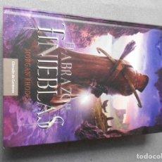 Libros de segunda mano: EL ABRAZO DE LAS TINIEBLAS. Lote 179253953