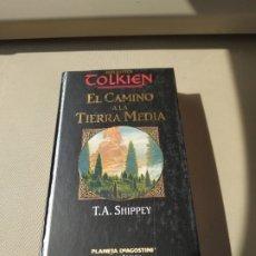 Libros de segunda mano: EL CAMINO A LA TIERRA MEDIA - CHRISTOPHER TOLKIEN. Lote 181539138