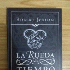 Libros de segunda mano: NUEVA PRIMAVERA (ROBERT JORDAN) PRECUELA DE LA SAGA LA RUEDA DEL TIEMPO - 1ª EDICIÓN. Lote 194646377