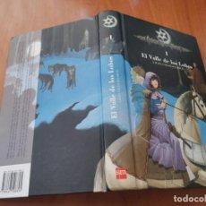 Libros de segunda mano: CRÓNICAS DE LA TORRE I EL VALLE DE LOS LOBOS CON TODAS LAS FICHAS LAURA GALLEGO GARCÍA 2007. Lote 195012858