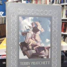Libros de segunda mano: BRUJERÍAS - TERRY PRATCHETT - CÍRCULO DE LECTORES - FANTASÍA . Lote 195216003