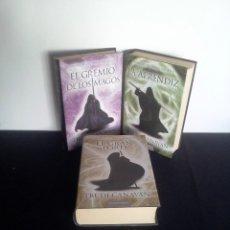 Libros de segunda mano: TRUDI CANAVAN - CRONICAS DEL MAGO NEGRO ( 3 LIBROS) - CIRCULO DE LECTORES 2011. Lote 212479512