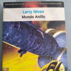 Libros de segunda mano: MUNDO ANILLO Y LOS INGENIEROS DE MUNDO ANILLO DE LARRY NIVEN. Lote 213876603