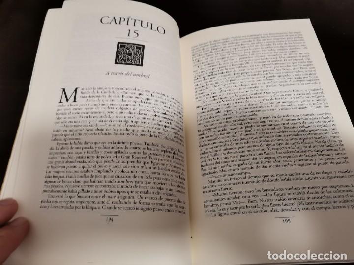 Libros de segunda mano: LA RUEDA DEL TIEMPO 4 LOS PORTALES DE PIEDRA ROBERT JORDAN ED. TIMUN MAS 1998 - Foto 5 - 217477815