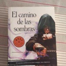 Libros de segunda mano: EL ANGEL DE LA NOCHE I. EL CAMINO DE LAS SOMBRAS DE BRENT WEEKS. Lote 217924033
